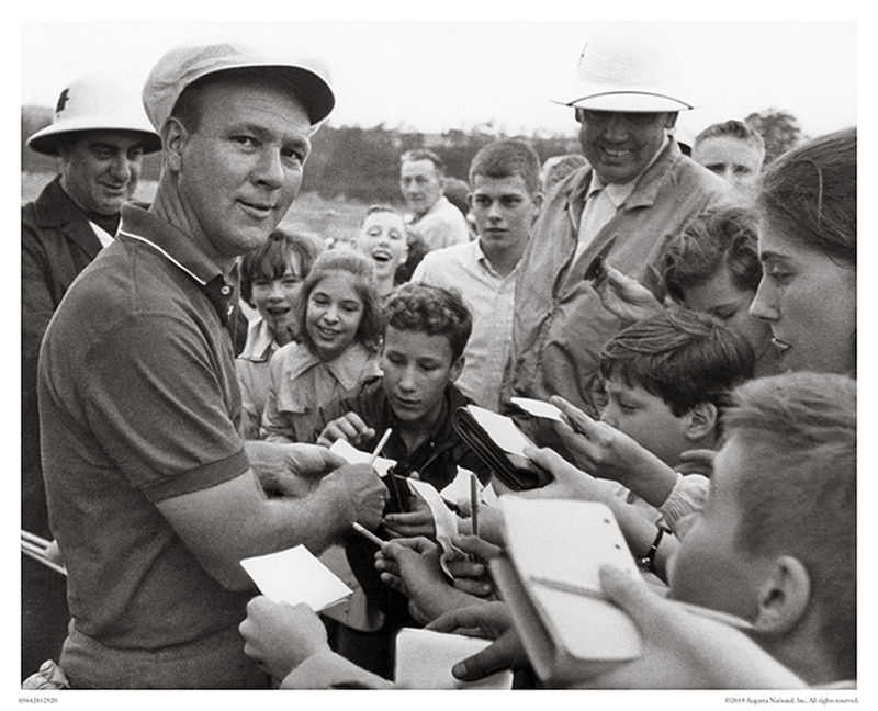 Arnold Palmer Signing Autographs, 1964